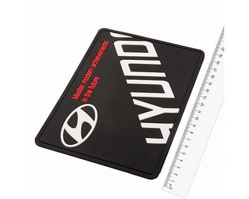 Коврик панели противоскользящий SW плоский с логотипом 190*125*3мм Hyundai